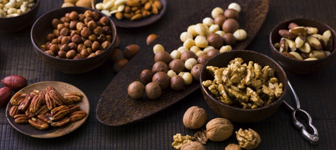 Eating Nuts Helps Cut Risk of Metabolic Syndrome and Obesity